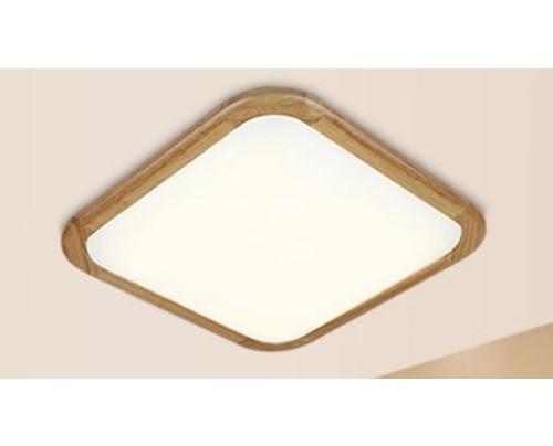 Dřevěné hranaté stropní svítidlo