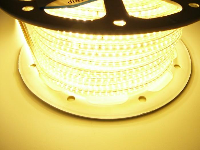 LED pásek 230V3-120 voděodolná teplá bílá