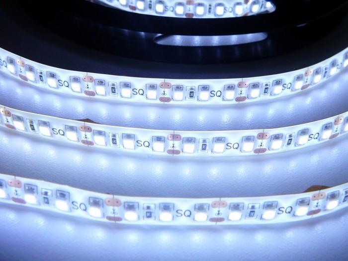 LED pásek zalitý SQ3-W600 - studená bílá