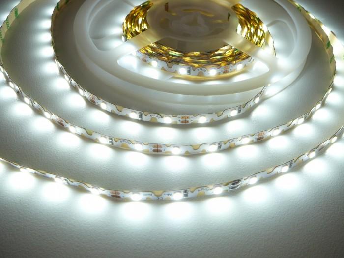 LED pásek ohebný Z300 6,2W - studená bílá
