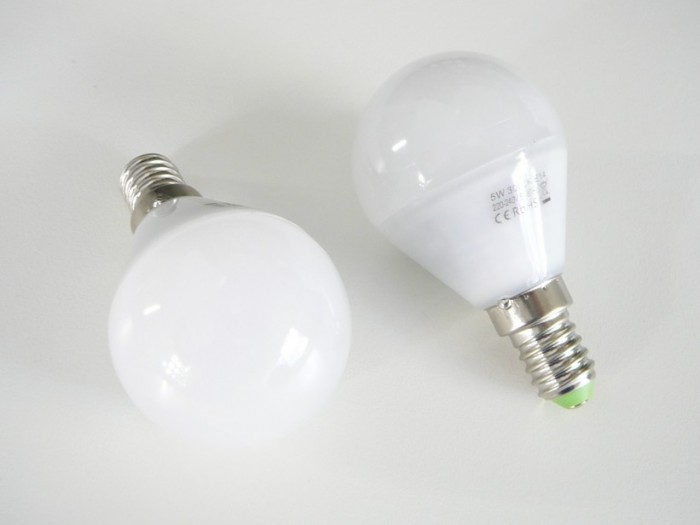 LED žárovka E14 LU5W 260° Denní bílá