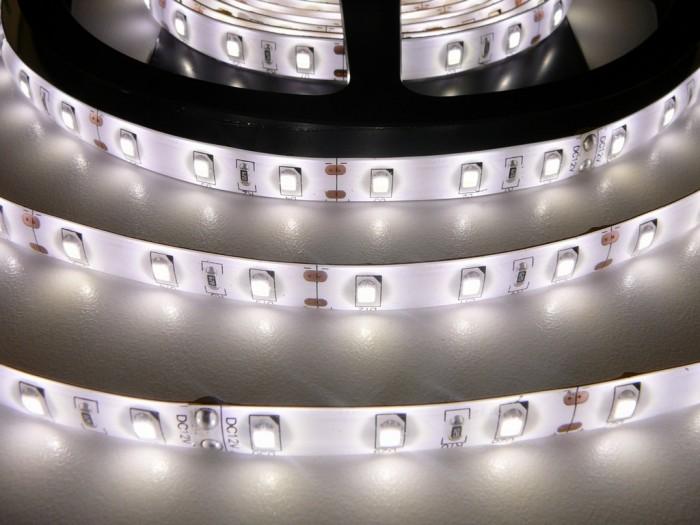 LED pásek SB3-W300 zalitý denní bílá