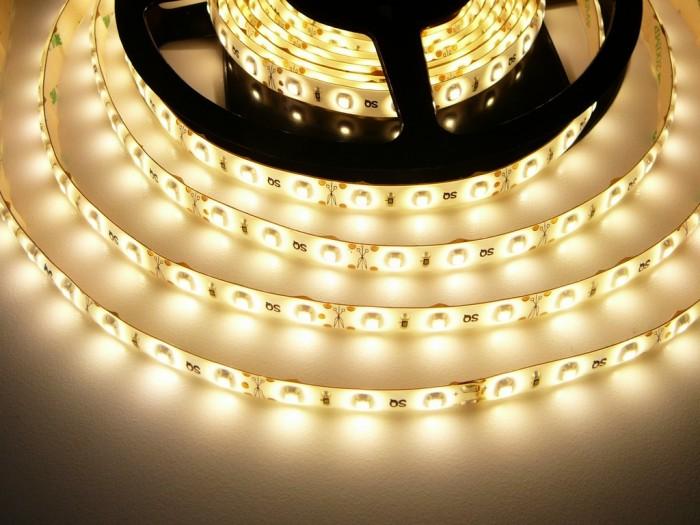 LED pásek zalitý SQ3-W300 teplá bílá