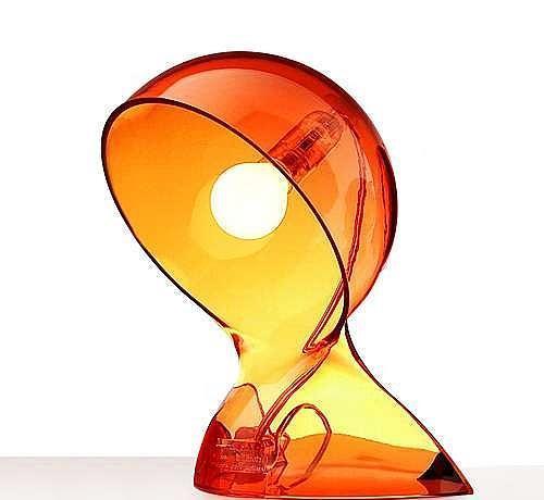 Artemide Dalú, průsvitně oranžová designová stolní lampa