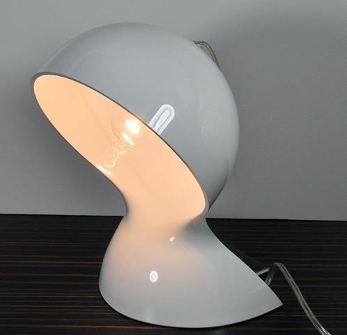 Artemide Dalú, bílá designová stolní lampa