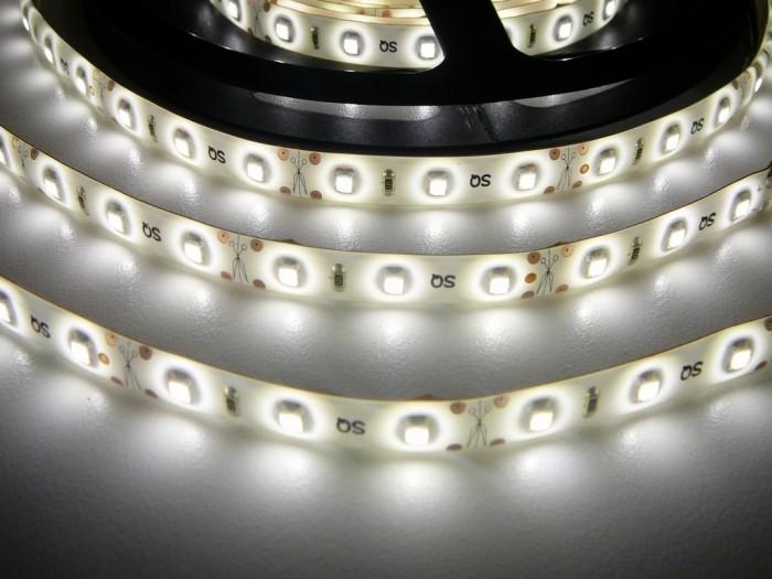 LED pásek zalitý SQ3-W300 denní bílá