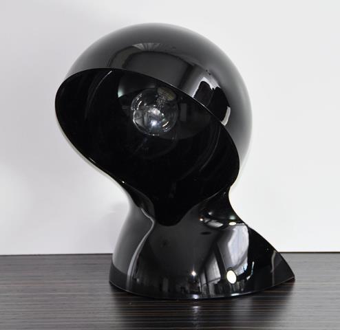 Artemide Dalú, černá designová stolní lampa