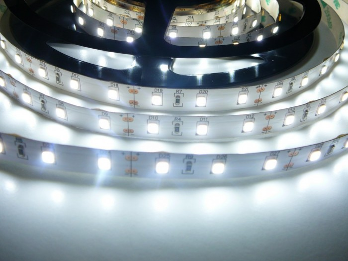 LED pásek SB3-300 vnitřní studená bílá