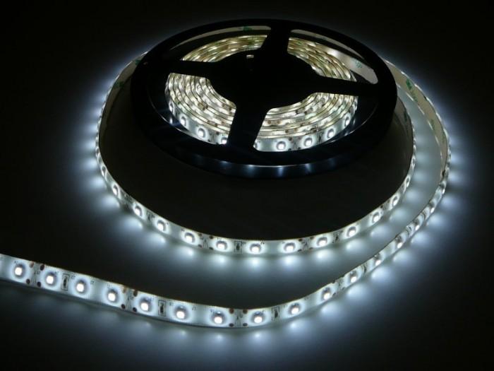 LED pásek 5m zalitý šíře 8mm SQ-W300SMD3 studená bílá